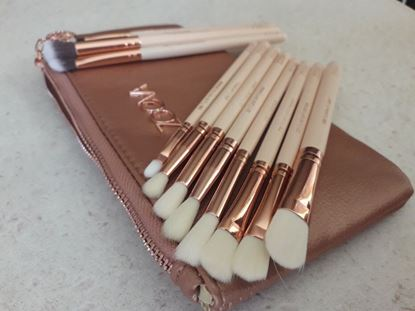 Снимка на Четки за грим Зоева 12бр с чантичка розови Zoeva brush set