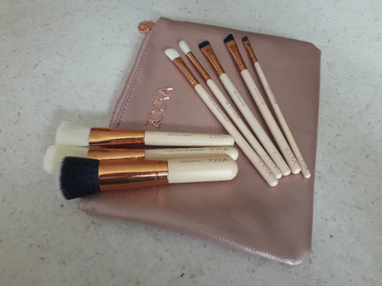 Снимка на Сет четки за грим Зоева 8бр с чантичка розова Zoeva brush set