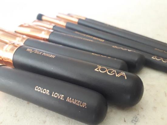 Снимка на Сет четки за грим Зоева 8бр с чантичка кафяво Zoeva brush set