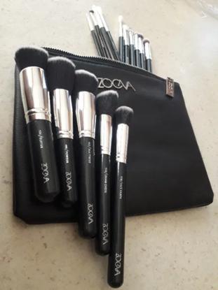 Снимка на Сет четки за грим Зоева 15бр с чантичка черно Zoeva brush set