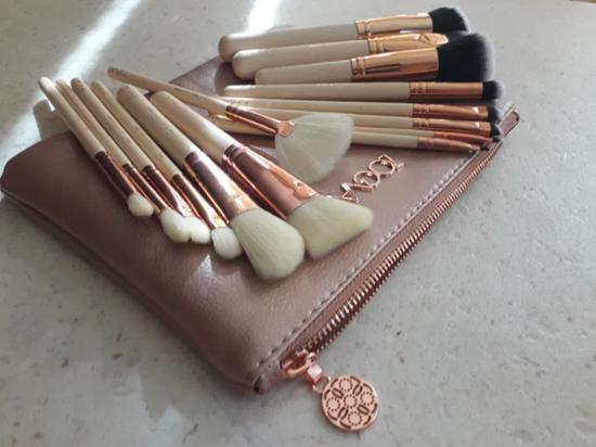 Picture of Сет четки за грим Зоева 15бр с чантичка розово Zoeva brush set