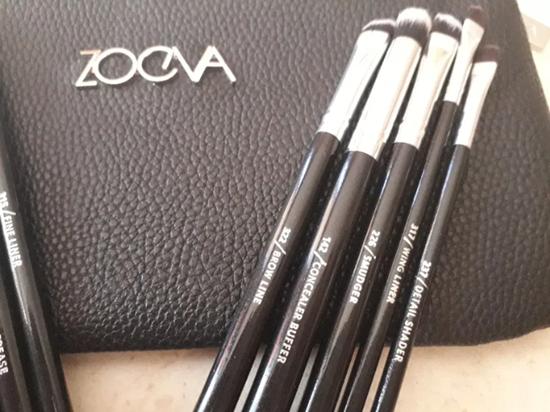 Picture of Сет четки за грим Зоева 12бр с чантичка черно Zoeva brush set