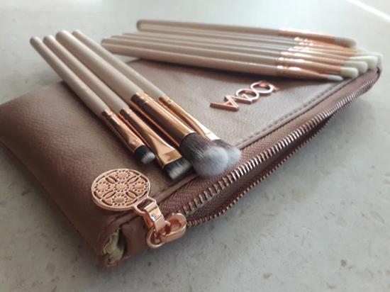 Снимка на Сет четки за грим Зоева 12бр с чантичка розово Zoeva brush set