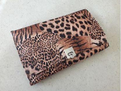 Picture of комплект четки за грим Леопард Leopard 24 броя в чантичка