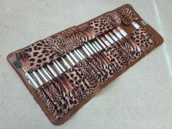 Снимка на комплект четки за грим Леопард Leopard 24 броя в чантичка
