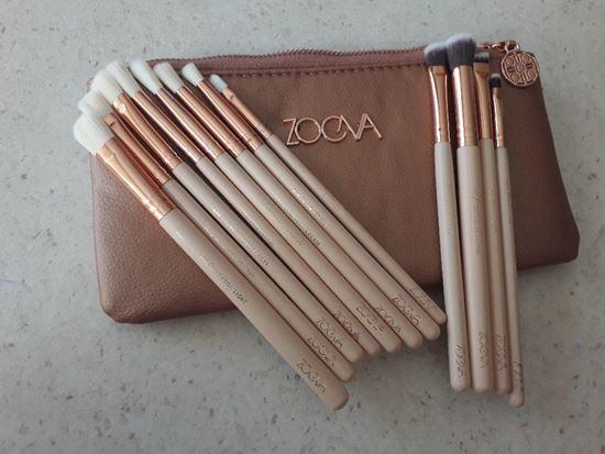 Снимка на ов сет четки за грим Зоева 12бр с чантичка розово Zoeva brush set